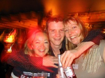 01) Lyzz, Paul and Claire - and they're already glowing!
